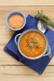 Hemlagad smaklig soppa för röd lins Arkivbild