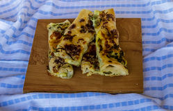 Hemlagad välsmakande paj med veggies Arkivbild