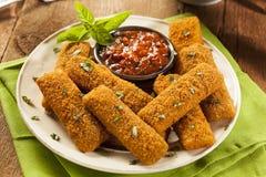 Hemlagade Fried Mozzarella Sticks Arkivfoton