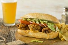 Hemlagade Fried Oyster Po Boy Sandwich Arkivfoton