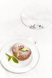 Hemlagade italienska persikakakor Royaltyfri Bild