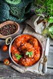Hemlagade köttbullar med tomatsås Royaltyfria Bilder