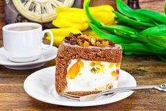 Hemlagade kakor: Curd Jelly Cake på plattan Arkivbilder