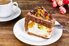 Hemlagade kakor: Curd Jelly Cake på plattan Royaltyfria Foton