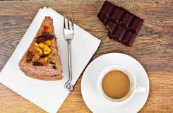 Hemlagade kakor: Curd Jelly Cake på plattan Royaltyfri Foto