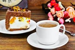 Hemlagade kakor: Curd Jelly Cake på plattan Arkivbild
