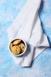 Hemlagade kakor med torkat tranbär och havremjöl Royaltyfri Bild