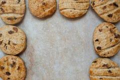 Hemlagade kakor som ramen för text royaltyfria foton