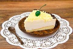 Hemlagade kakor: Vana Tallin Cake på plattan Royaltyfri Foto