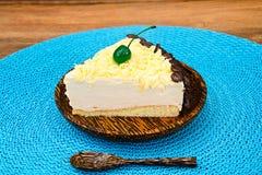 Hemlagade kakor: Vana Tallin Cake på plattan Royaltyfri Bild