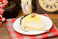 Hemlagade kakor: Vana Tallin Cake på plattan Royaltyfri Fotografi
