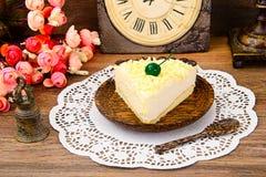 Hemlagade kakor: Vana Tallin Cake på plattan Royaltyfria Bilder