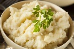 Hemlagade krämiga mosade potatisar Arkivbilder