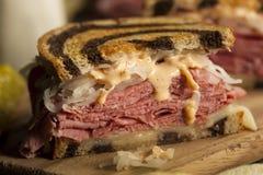 Hemlagade Reuben Sandwich Arkivbilder