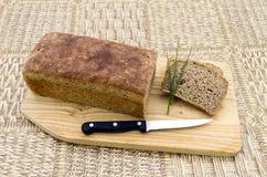 Hemlagat bröd med gräslökar Fotografering för Bildbyråer