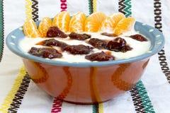 Hemlagat driftstopp för lösa jordgubbar för yoghurt Royaltyfria Bilder