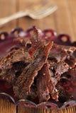 Hemlagat knyckigt nötkött - torka kurerat kryddat kött fotografering för bildbyråer