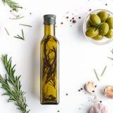 Hemlagat kryddigt oljabegrepp royaltyfria foton