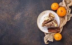 Hemlagat marmorera kakan med choklad och apelsinen royaltyfri fotografi