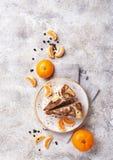 Hemlagat marmorera kakan med choklad och apelsinen arkivbilder