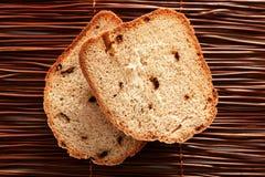 Hemlagat rågbröd med torkade peppar Royaltyfri Fotografi