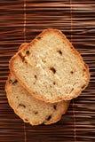 Hemlagat rågbröd med torkade peppar Arkivfoto