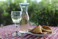 Hemlagat vitt vin Arkivbild