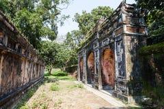 Hemlig passage och gammal dekorativ port på den imperialistiska citadellen Arkivbild