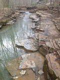 Hemligt lite bordlagt vatten Hideway Royaltyfri Fotografi