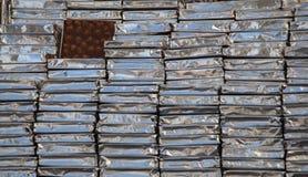 Hemmet gjorde chokladstänger som bakgrund Arkivfoto