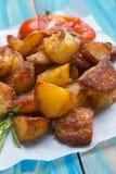 Hemmet gjorde den grillade potatisen royaltyfri foto