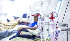 Hemodialysis w ludziach na wyposażeniu zdjęcie royalty free