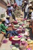 Hemslöjdsäljare i Madagascar Arkivfoton