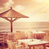 Hemtrevlig restaurang på stranden Arkivbilder