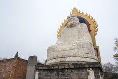 HENAN, ΚΊΝΑ - 11 Νοεμβρίου 2015: Άγαλμα Dharma στο ναό Shaolin Μια ηλεκτρική κιθάρα Φ Στοκ εικόνες με δικαίωμα ελεύθερης χρήσης