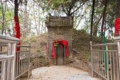 HENAN, CINA - 29 ottobre 2015: Tomba di Hua Tuo (140-208) una h famosa Fotografia Stock Libera da Diritti