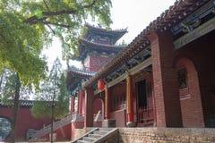 HENAN KINA - November 03 2015: Fawang tempel ett berömt historiskt sitter Arkivbilder