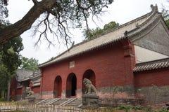 HENAN KINA - November 04 2015: Huishan tempel (UNESCOvärldsarv Royaltyfri Fotografi