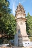 HENAN KINA - November 03 2015: Pagod på den Fawang templet ett berömt högt Arkivfoton