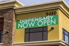 Henderson - cerca do dezembro de 2016: O dispensário médico da marijuana de Las Vegas da fonte Em 2017, o potenciômetro será lega Fotos de Stock Royalty Free