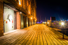 Henderson's Wharf at night, on the waterfront in Fells Point, Ba Stock Photos