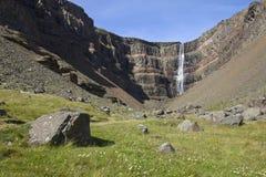 Hengifoss no. 1 da cachoeira Imagens de Stock