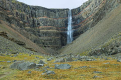 Hengifoss siklawa w Iceland Obraz Royalty Free