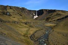 Hengifoss siklawa w Iceland Zdjęcie Stock