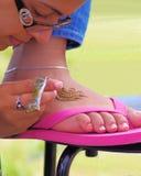 Henna εφαρμογή στοκ φωτογραφία με δικαίωμα ελεύθερης χρήσης