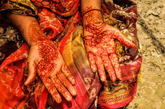 Henna on brides hands Royalty Free Stock Photos