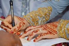 Henna On Hands Foto de archivo libre de regalías