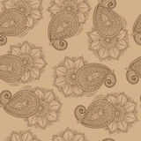 Henna Mehendy Doodles Seamless Pattern en un fondo marrón Fotos de archivo