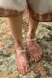 Henna op voeten van bruid van India Royalty-vrije Stock Fotografie