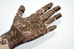 Hennastrauch-Tätowierung auf Händen Stockfotos